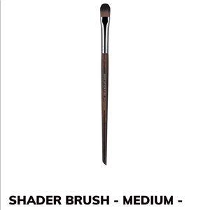 Make Up For Ever #226 eyeshadow brush